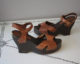 1970's Platform Wedges // Wood and Leather // Size 8.5