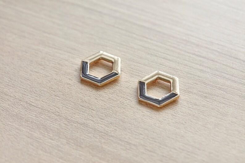 2 pcs of Gold Plated Zinc Alloy Black Hollow Hexagon Enamel Pendants 20 mm