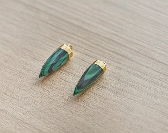 1 pcs of  Pencil Point Shape Malachite Faceted Gold Plated Pendant  - Gemstone Pendants