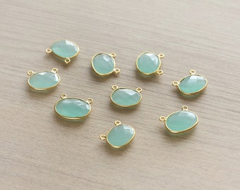 1 pcs of Irregular Aqua Green chalcedony Faceted Oval 2 rings Gold Plated Pendant