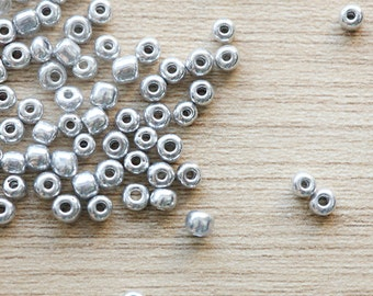 200 pcs of Electroplate Silver Glass Seed Beads - 4 - 5x3 - 4mm