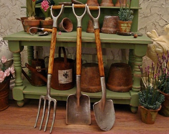 Antique Style Handled Garden Tools 1:12 Scale Miniature Dollhouse Potting Bench Accessory