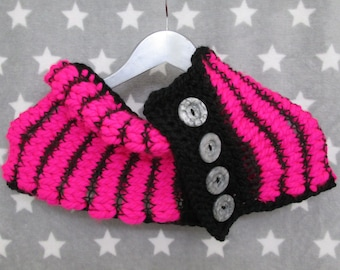 The Screaming Cowl - Neon Pink & Black
