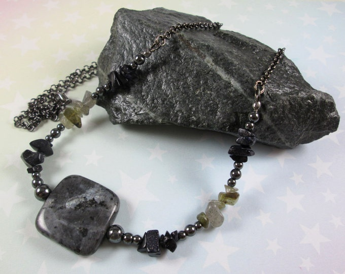 Larvikite Necklace - Blue Goldstone & Labradorite Chips