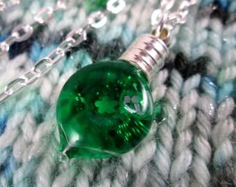 Glitter Liquid Necklace - Green Leaf - Silver Chain