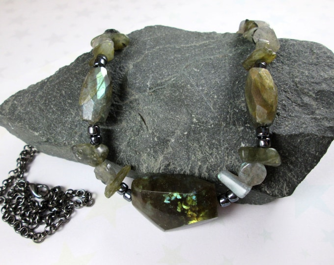 Labradorite Necklace - Faceted Stones