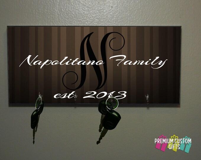 Personalized Wedding Gift - Anniversary Gift - Housewarming Gift - Any Occasion Key Hanger - Family Name - Mr & Mrs Gift Design#KH117