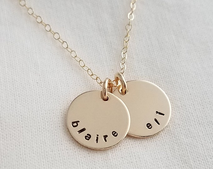 Tiny Gold Name Charms, Personalized Necklace, Minimal Necklace, Gold Discs With Names, Hand Stamped Jewelry, Necklace for Moms