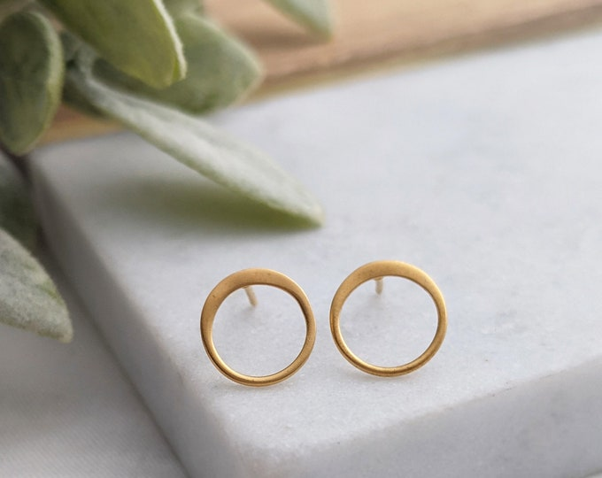 Round Earrings, Circle Stud Earrings, Gold Earrings, Gifts for Her, Minimal Earrings
