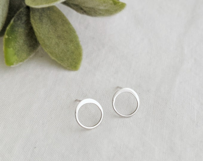 Tiny Silver Circle Studs, Dainty Earrings, Gold or Silver, Minimalist Earrings, Bridesmaids Gifts