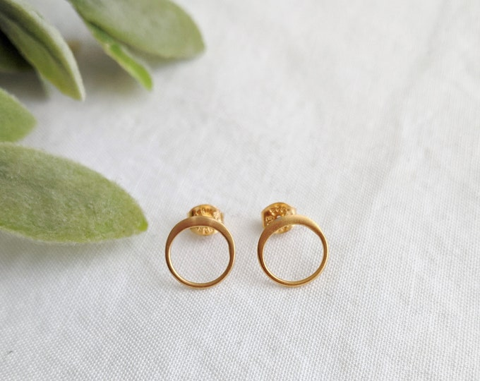 Gold Circle Earrings, Gold Stud Earrings, Gold Earrings, Gifts for Her, Gifts for Women, Minimal Jewelry