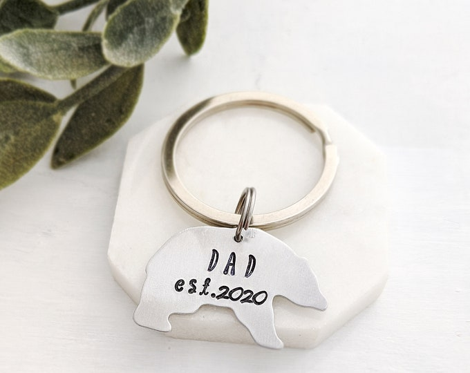 Key Chain for Dads, Gift Idea for Dads, Papa Bear Key chain, Papa, Grandpa, Pregnancy Announcement Gift