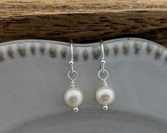 Pearl Earrings, Sterling Silver Earrings, Bridesmaids gifts, Drop Earrings, Gift Idea, Minimal Jewelry, Freshwater Pearls