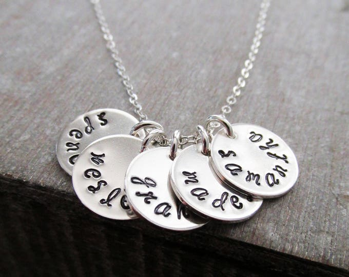 Name Necklace for Moms, Silver disc Necklace, Engraved Name Charms