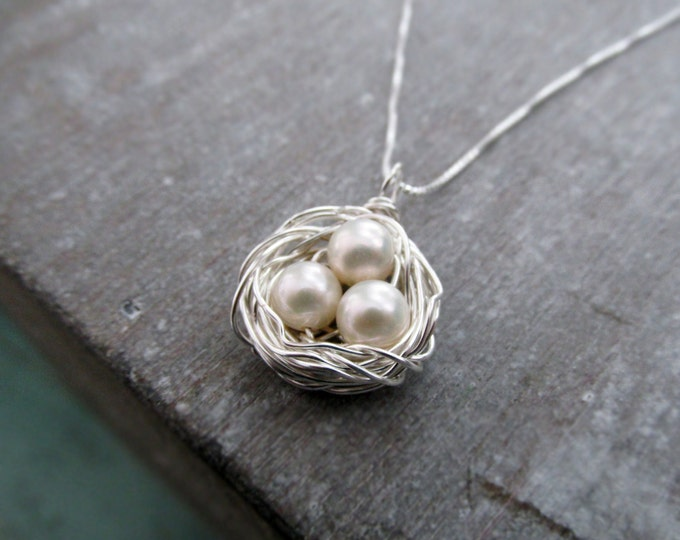 Birds Nest Necklace, Mothers Necklace, Pearl Egg Nest, Personalized Jewelry, Mothers Day Gift, Gift for Her, Mama Bird, Baby Shower Gift