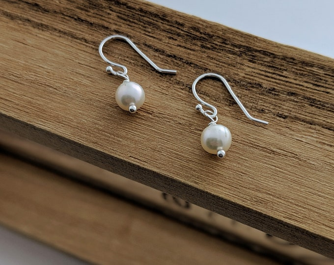 Simple Pearl Earrings, Sterling Silver Earrings, Bridesmaids gifts, Drop Earrings, Gift Idea, Minimal Jewelry, Freshwater Pearls