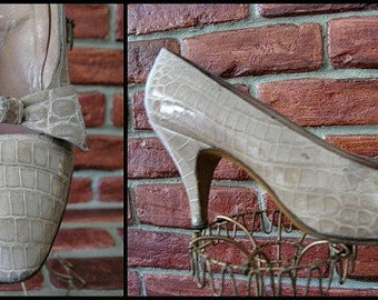 ead67fcae8a ALLIGATOR 50s SHOES    Mario for Eugenia of Florence    fits XS 4.5A    Vintage  1950s Pumps    Handmade in Italy