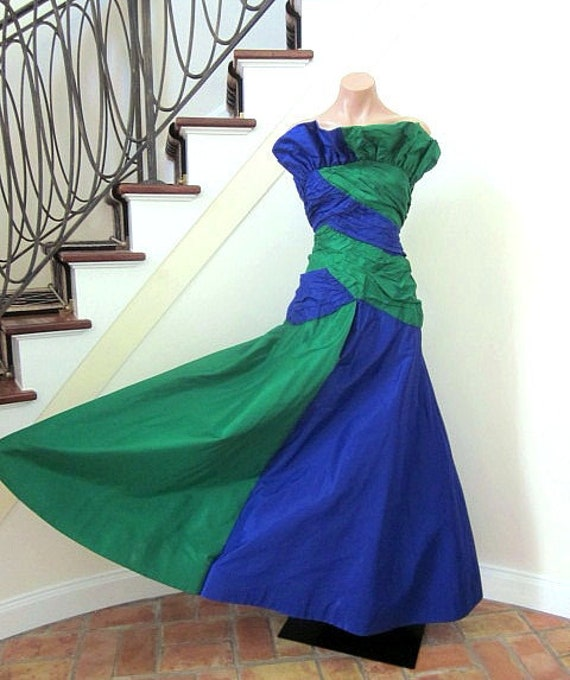 Vintage Gown / 80s Taffeta Gown / fits XS / Blue a