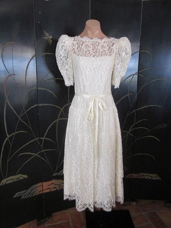 Lace Wedding Dress / Ivory lace Wedding Dress / V… - image 2