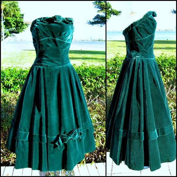 50s green velvet dress / vintage green velvet dres