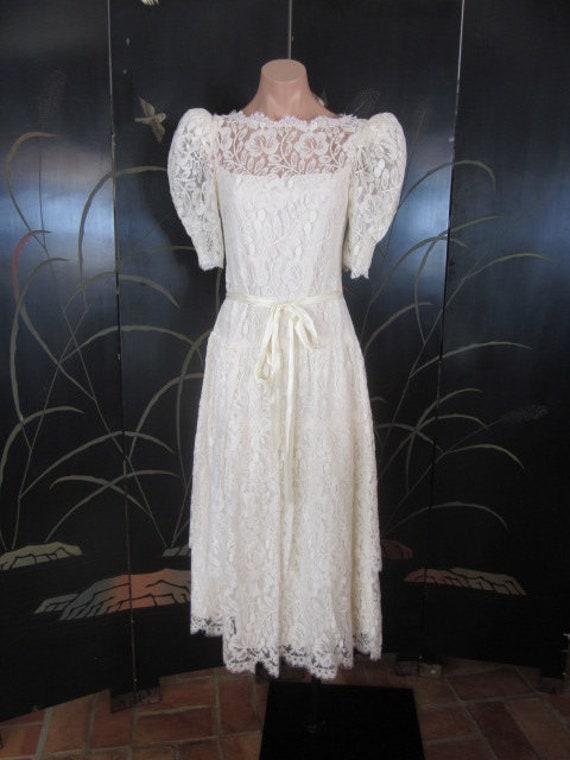 Lace Wedding Dress / Ivory lace Wedding Dress / V… - image 9