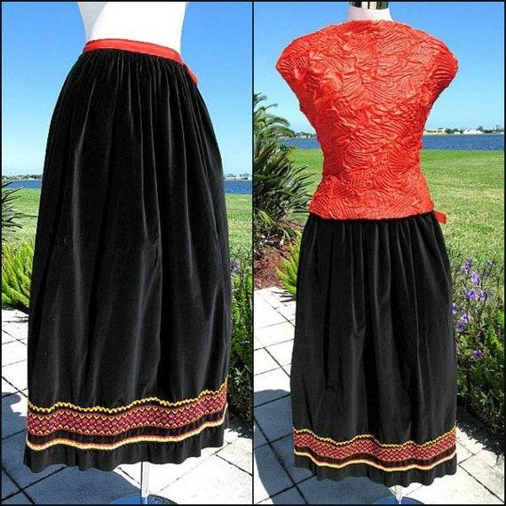 Tootique Velvet skirt / 70s Velvet Maxi Skirt / Vi