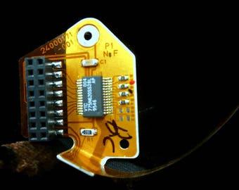 Computer hard drive connector brooch