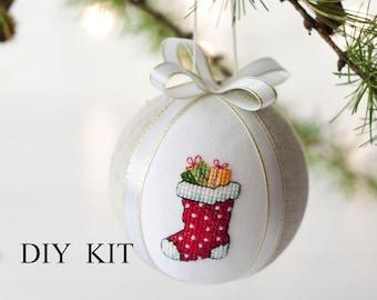 DIY Kit    Christmas ornament cross stitch, diy kit gifts, Christmas ornament kit, cross stitch christmas ornament DIY kit