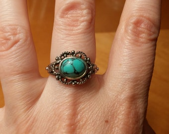 Sterling Silver Ring With Faux Turquoise Size 7.75