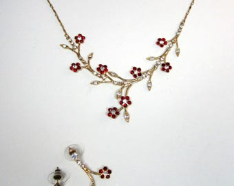 Vintage gold metal & rhinestone necklace/earrings