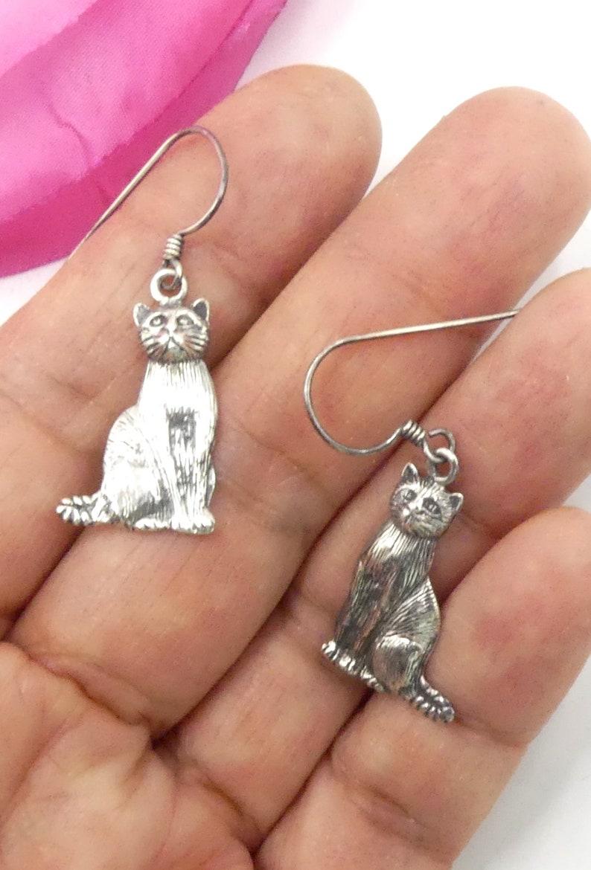 Vintage marked 925 sterling silver cat hoop earrings
