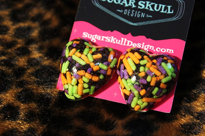 CLEARANCE CLEARANCE Halloween Sprinkles Heart Resin Post image 0