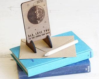 Väter Tag Holz Mond und zurück Karte Andenken Token Geschenk für einzigartige Papa Papa Opa umweltfreundliche Holz Galileo Wissenschaft Astronomie Brieftasche Uk