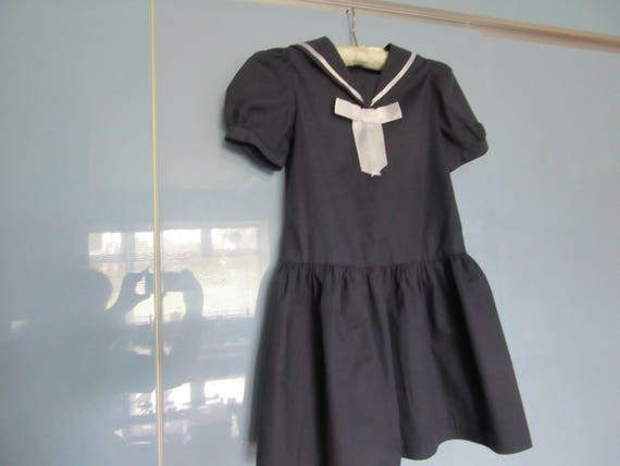 Vintage LAURA ASHLEY girls Navy Sailor collar Dress age 5 6 years Suitable for a Flower girl Bridesmaid