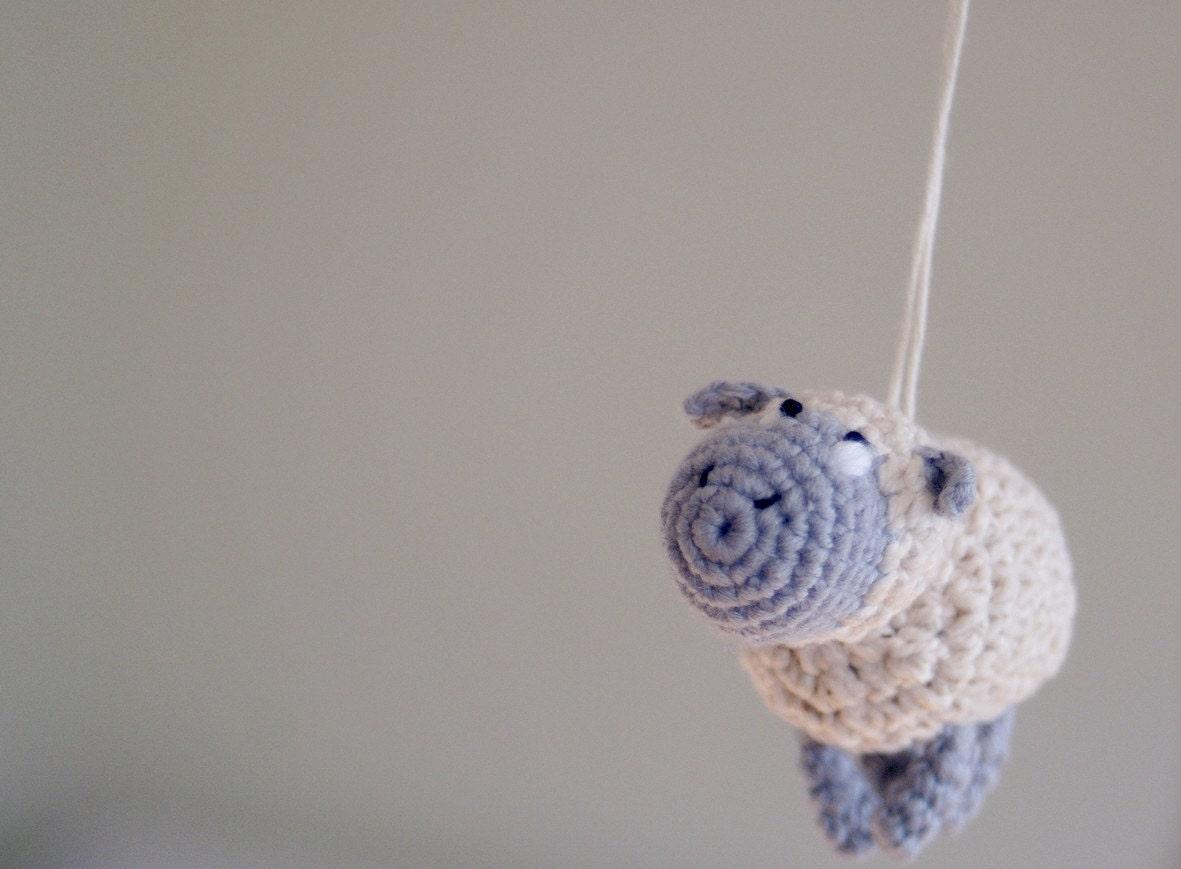 Gehäkelte Schaf-Mobile Baby-Mobile häkeln hängen Krippe