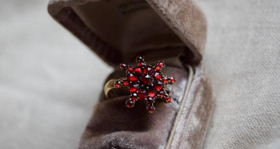 Victorian 14K Bohemian GARNET Ring, Starburst Vict