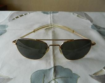 ed3781edd98 True Vintage Rare Welsh 1 10 12K Gold Filled Aviator Pilot Sunglasses 52 MM  From Korean Vietnam Era. Made in USA. Exc