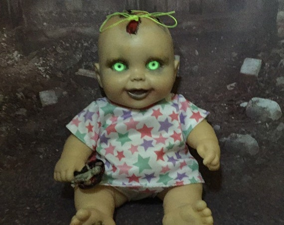 Original Undead Brain Exposed Stiched Scalp Bit Of Skull Glowing Zombie Eyes With Mini Dead Doll Biohazard Baby