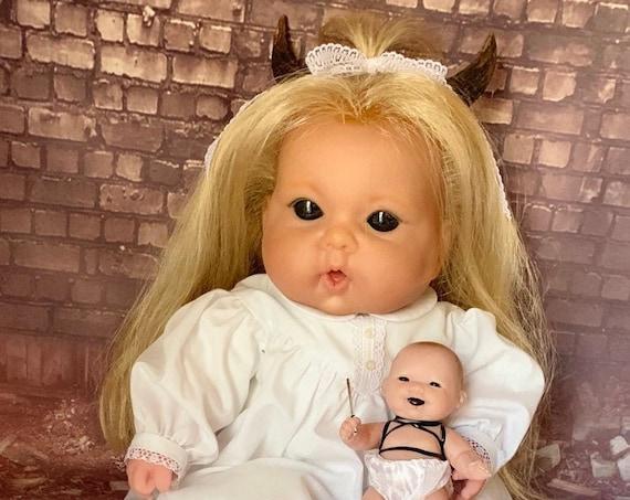 Original Horror Berenguer Two Piece Doll Set Undead Devilishly Horned Black Eyes Infant With Mini Undead Weapon Wielding Biohazard Babies
