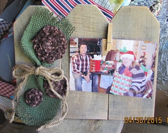 Reclaimed pallet wood, country floral, rustic, photo swapping, picture Frame.(051515-1)