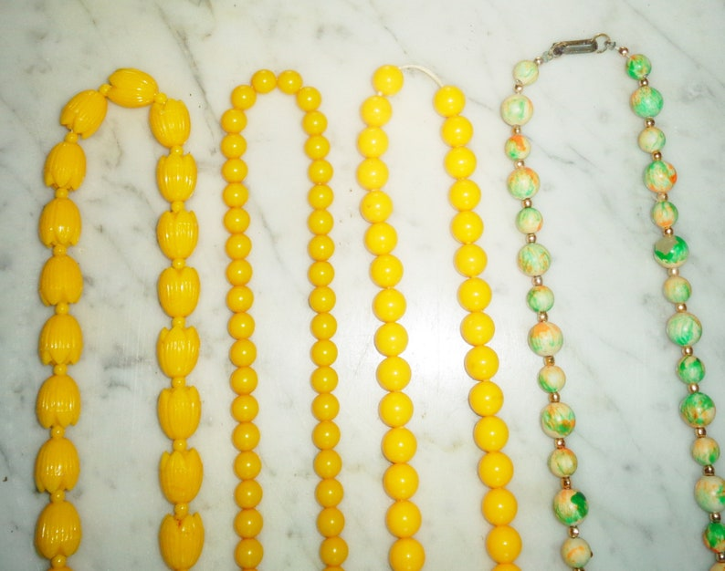 Lucite Beaded Flapper Necklaces yellow /& Multi Colored Green 44-50 inch set of 4 from the 1980s