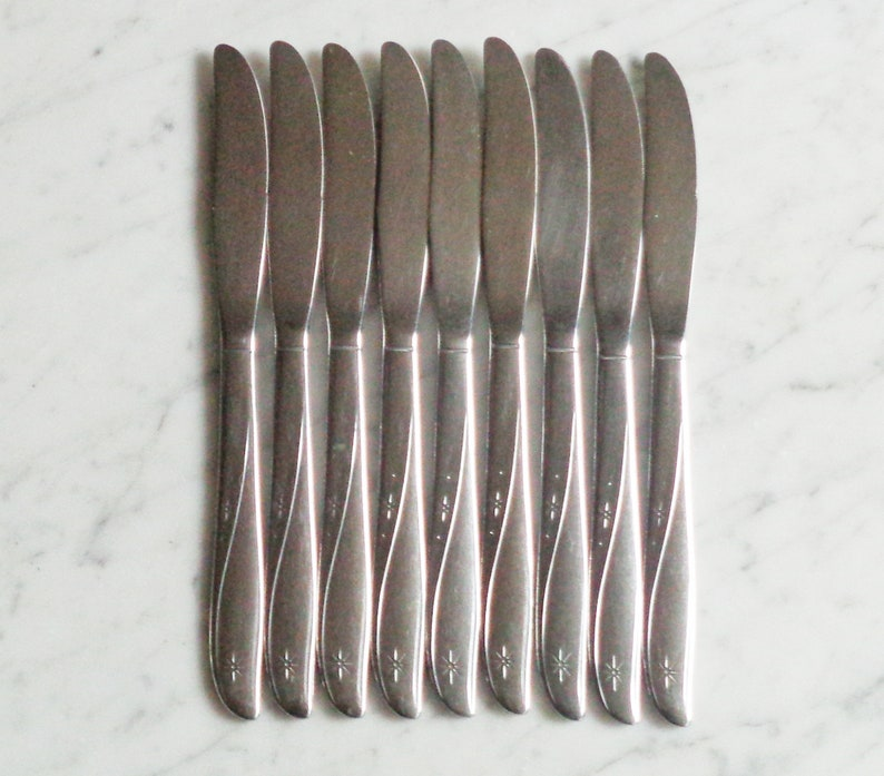 """ONEIDA COMMUNITY STAINLESS FLATWARE /""""TWIN STAR/"""" SET OF 4 SOLID DINNER KNIVES"""