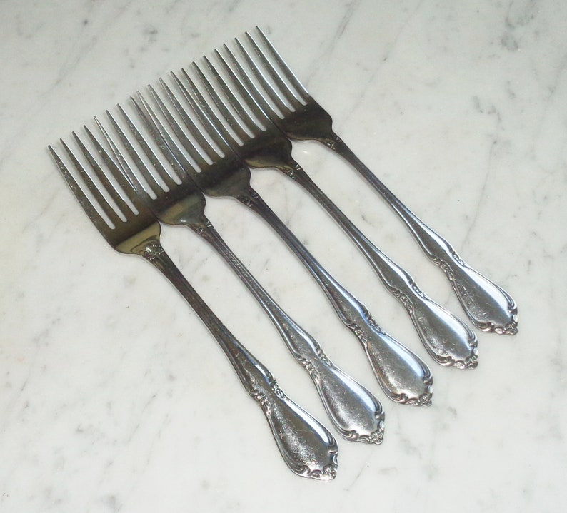 Chateau Oneidacraft Deluxe Stainless Steel 7 38 inch Dinner Forks set of 5