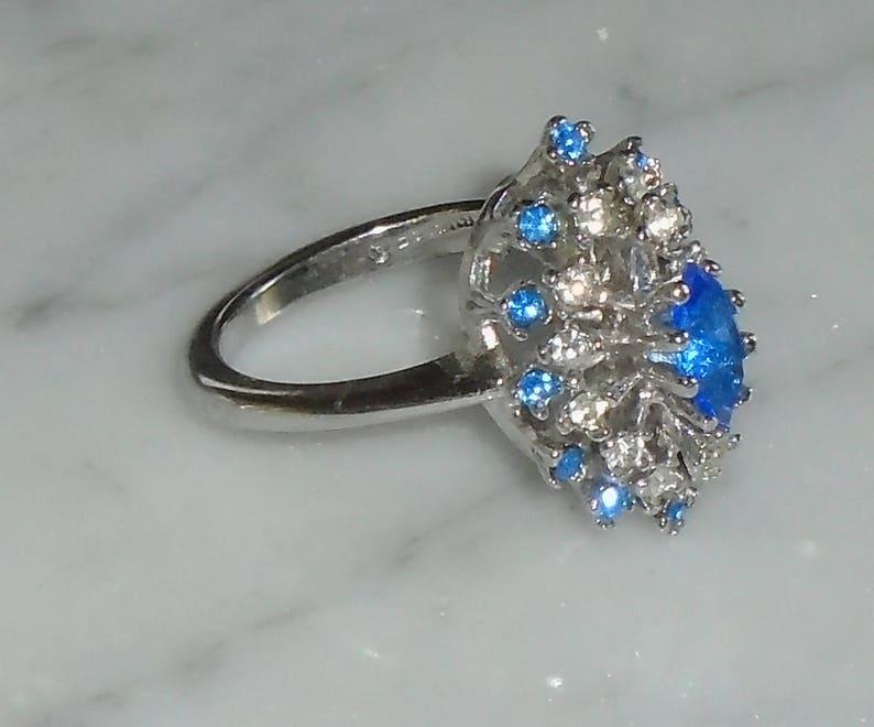 Rhinestone Cocktail ring Beautiful 10KGE Blue Topaz /& Clear Sz 7 12