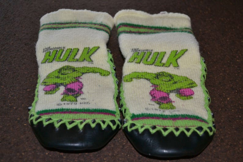 f6bd29d840273 Vintage 70's The Incredible Hulk kids slippers Marvel Comics 1979 Moccassin  Sock house shoes Children size 6-7 green superhero Hero Smash DC