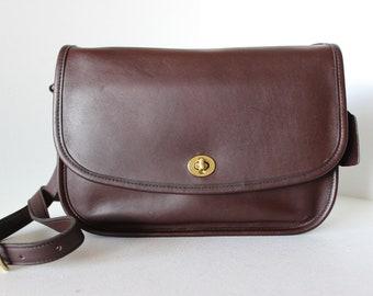 e7aae12e9dee Near EXCELLENT Vintage COACH Brown Leather City Bag Shoulder Handbag 9790  A5589