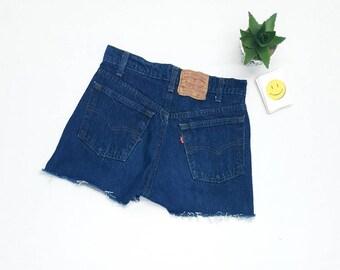 dcd88a6227 70s Levis shorts w28