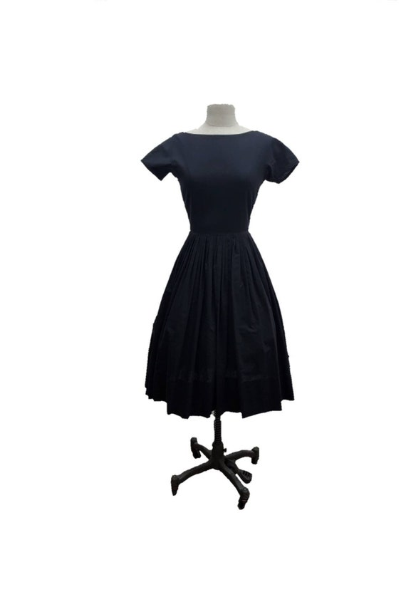 50s black fit and flare small // full skirt // vin