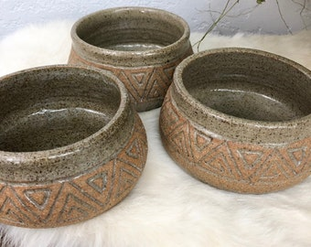 Speckled Vintage Stoneware Bowls - Set of 3 / Wheel Thrown Clay Dishes / Triangle Patterned Pottery Bowls / Jewelry and Trinket Dish