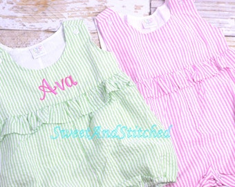Toddler Beach Outfit monogrammed, Baby girl Bubble romper, Seersucker romper, summer outfit, seersucker Beach Outfit, personalized romper